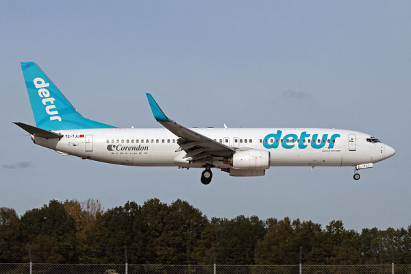 Detur aircraft takes off