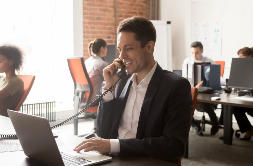 Out every employee in charge of customer services with Cloud contact centre